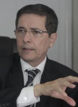 Dr. Marco Cavalcanti